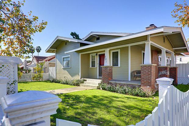 591 N. Irving Blvd, Los Angeles, CA 90004