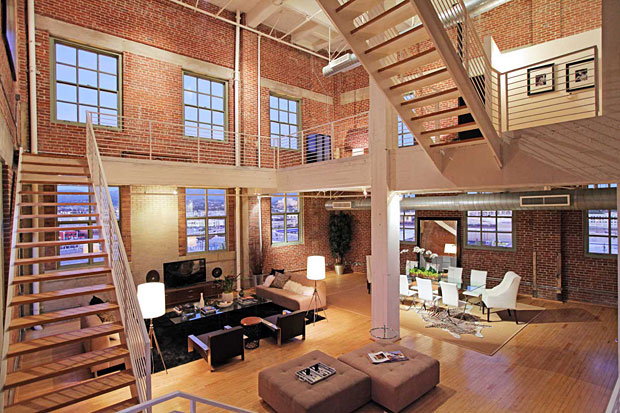 Vincent Gallo (seller) – Nicolas Cage (buyer) 4,300 sf, 2 BR / 2.5 BA Architectural, 1850 Industrial St, Downtown LA. Selling Price: $2,600,000
