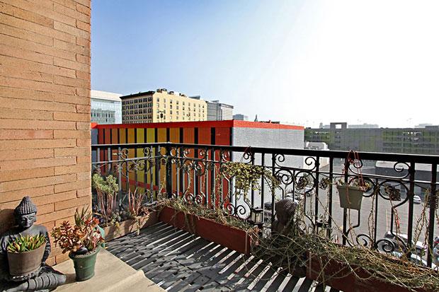 257-S-Spring-St-#4E-balcony.jpg