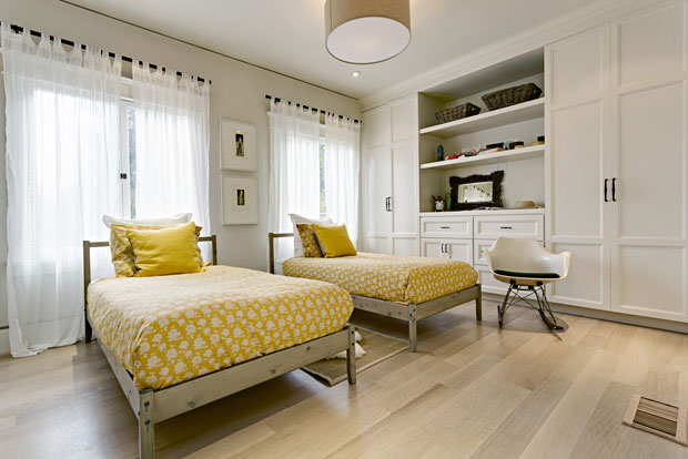 2653-N-Vermont-Ave-guest-bedroom.jpg