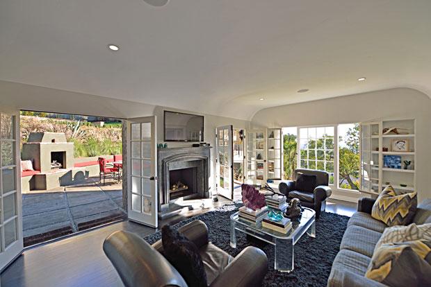 8650-Hillside-Ave-living-room.jpg