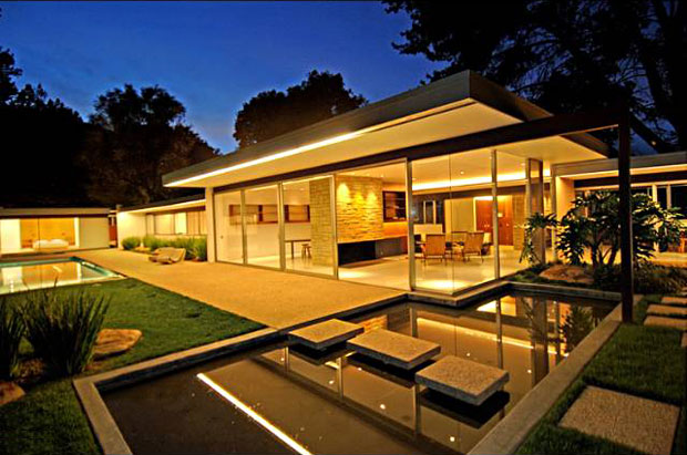 The Singleton House, by Richard Neutra. 1959. 15000 Mulholland Dr, Los Angeles, CA 90077