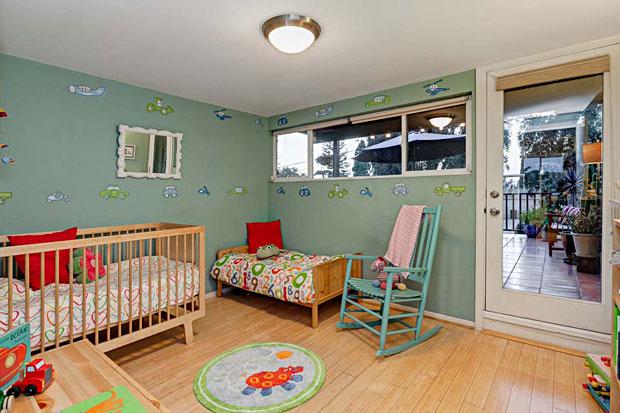 1622-Benton-Way-bedroom-2.jpg