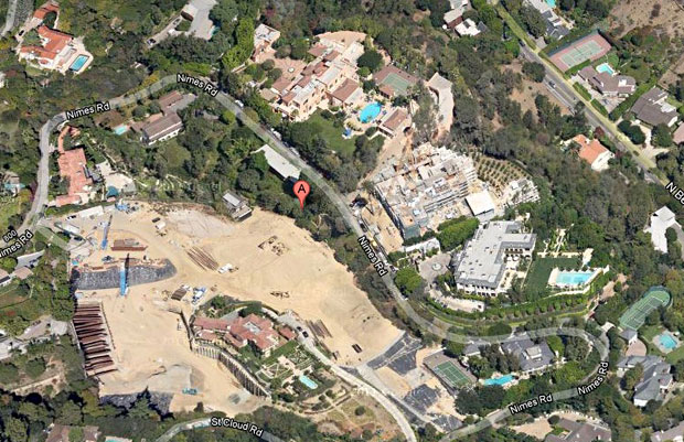 This aerial view shows the size of the estates that this home is surrounded by.