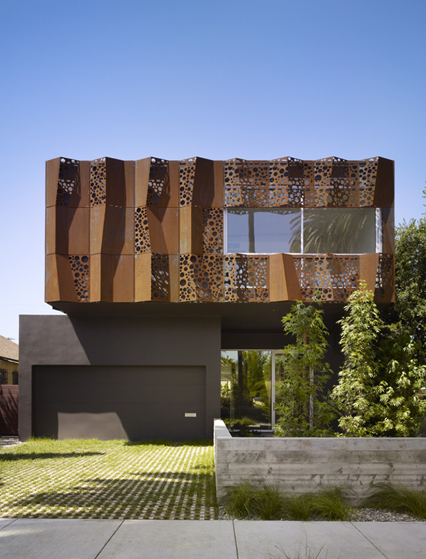 Modal-Design-Walnut-House-01.jpg