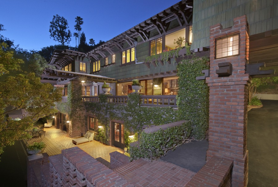 Artemisia Estate on Canyon Drive, in The Oaks community of Los Feliz,