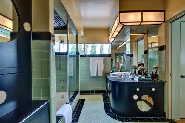 Kesling-Skinner-House-Bath-b.jpg
