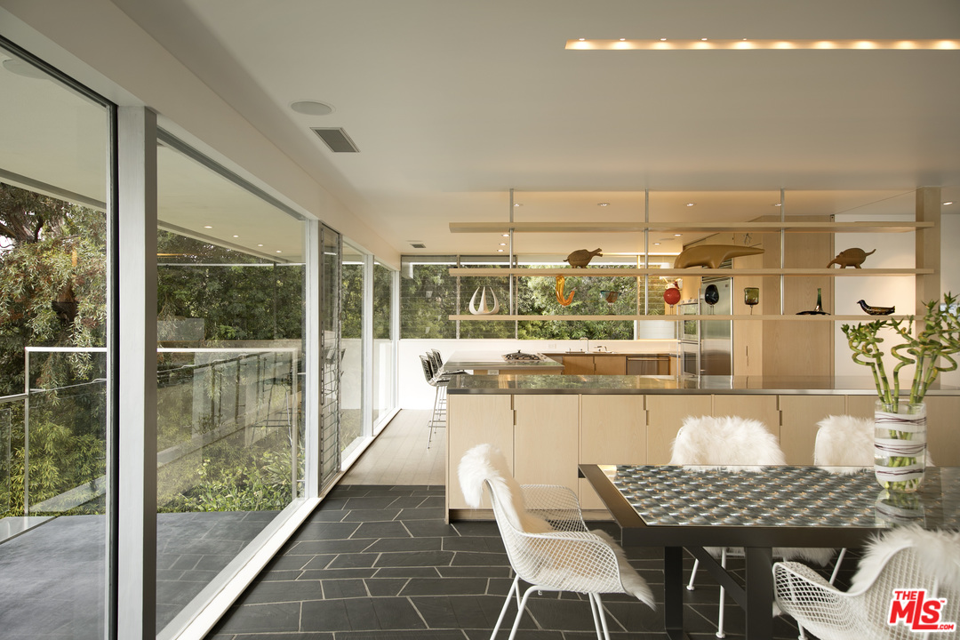 Neutra-Hammerman-House-201-Bentley-Cir-8.jpg