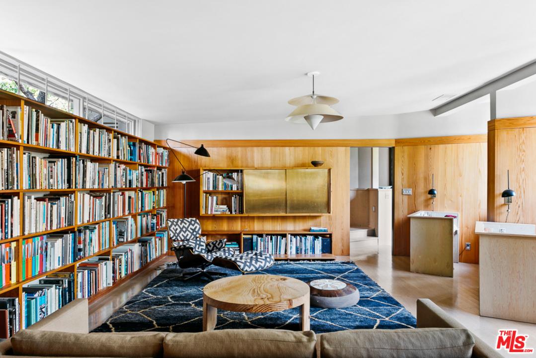 RM-Schindler-Lechner-House-6.jpg