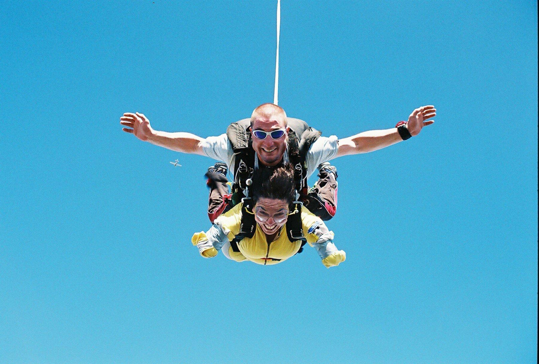Fil Sky Diving 2.jpg
