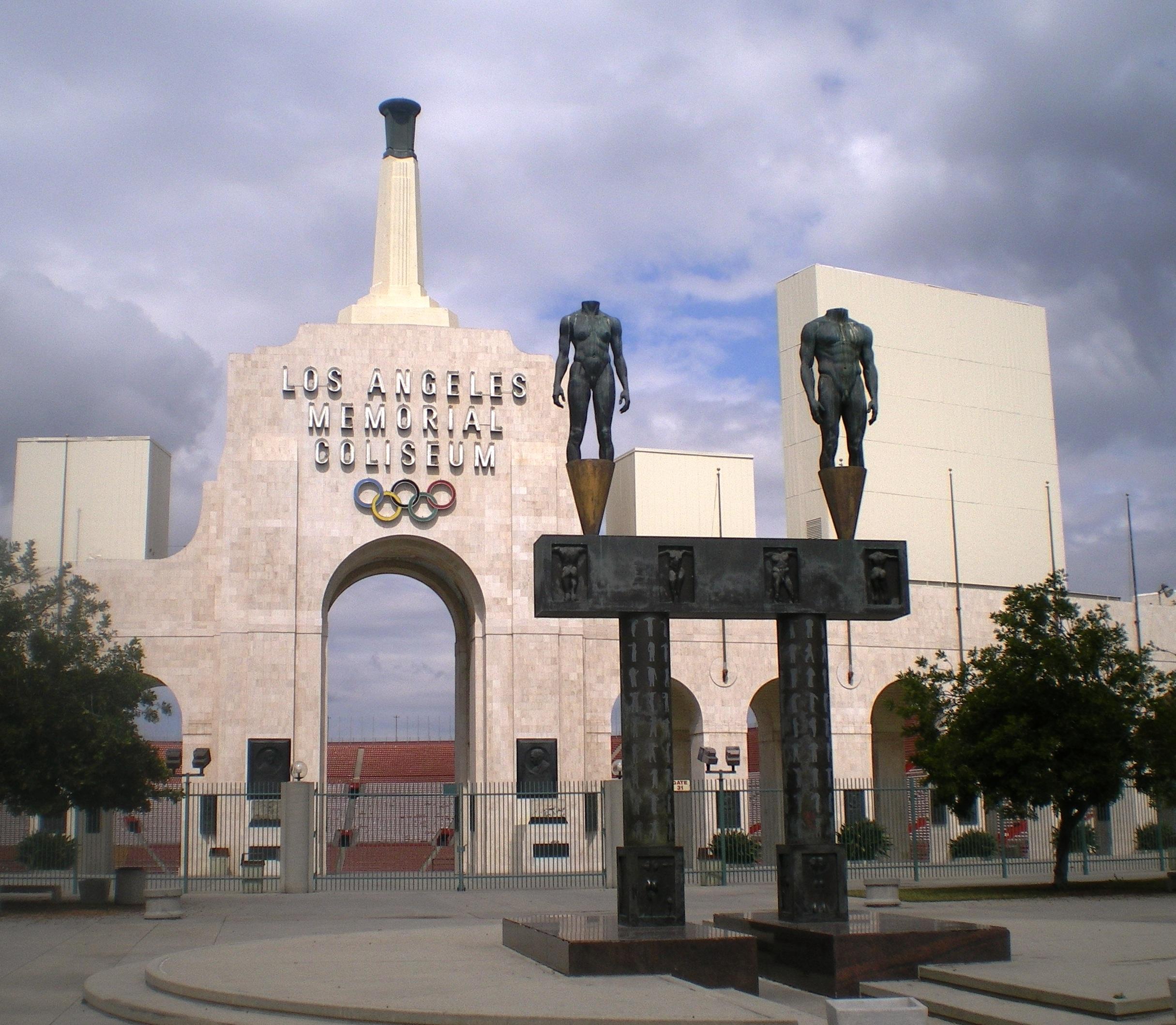 Los_Angeles_Memorial_Coliseum_(Entrance).jpg