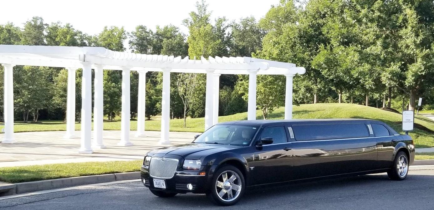 Chrysler 300 8 passenger Limousine