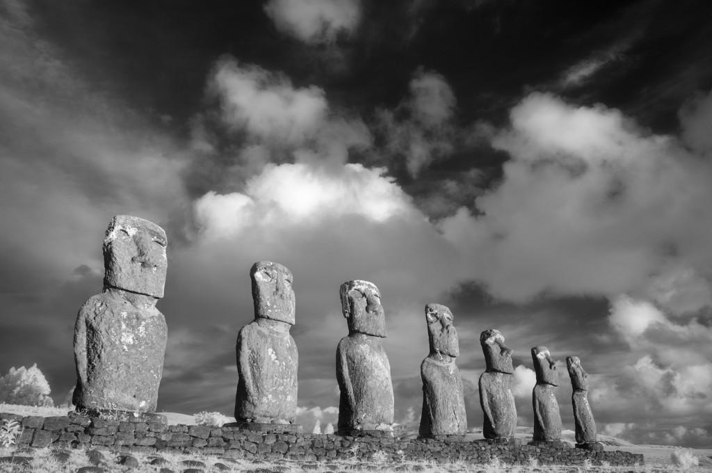 krist_ahu_akivi_moai,_easter_island_20_x_30_infrared_photography.jpg