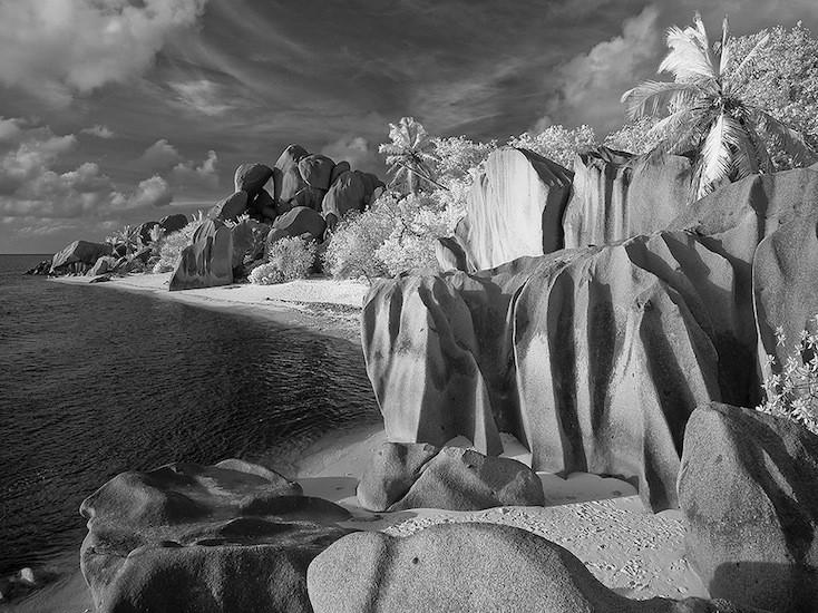 krist_anse_source_d_argent_la_digue_seychelles_12_x_16_infrared_photography_.jpg