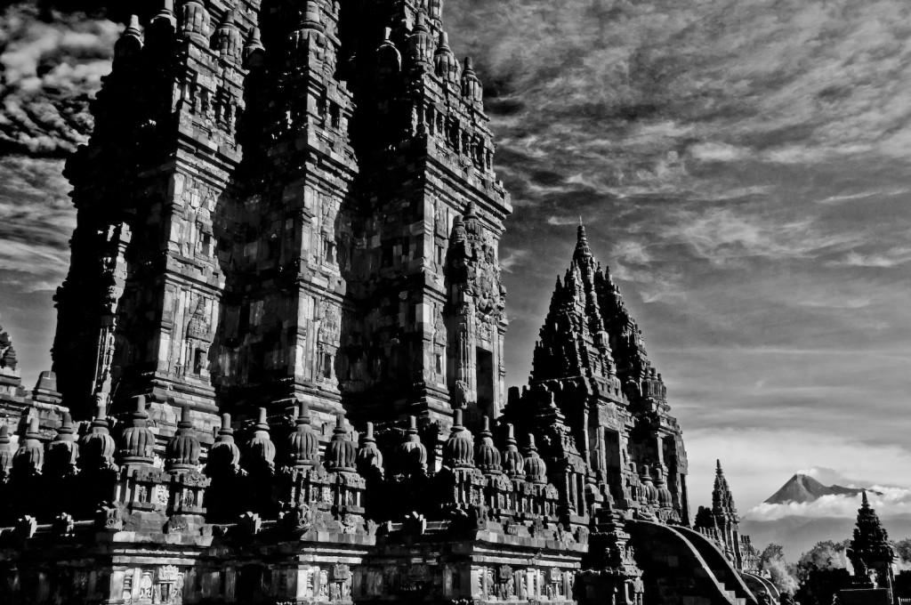krist_prambanan_20_x_30_infrared_photography.jpg