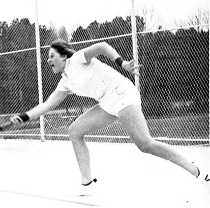 Ellen Degeneres - Ellen Degeneres played on her high school tennis team