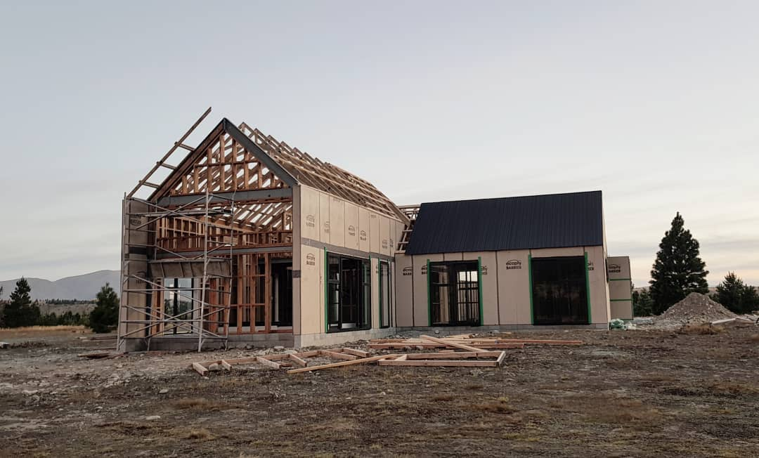 Progress 2nd February 2019. 90% of doors and windows in, half the roof on. Kitchen ordered, cladding on its way. The following week requires a sign off on the front engineering so it can be closed in, plumbing, wiring and cladding to arrive.
