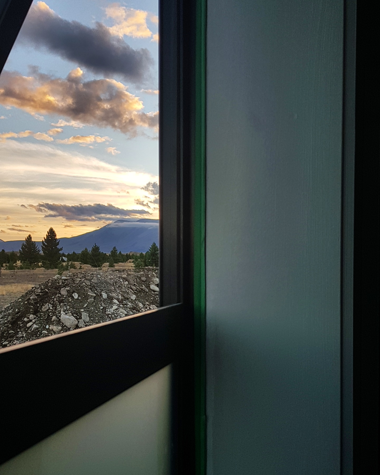 16/03/2019 Sunset views as we finished painting the bedroom wing.