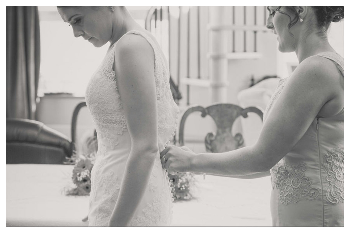 4-Mornign-of-wedding-day-in-Clare-Bridal-prep-photos-1.jpg