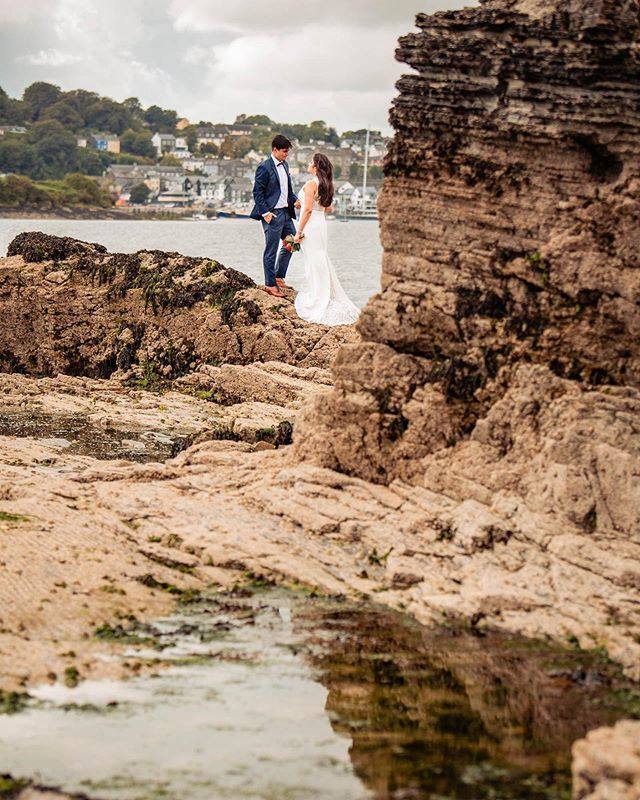 On this wet and rainy day it's nice to be reminded that there once was sunshine. This Kinsale photo shoot certainly had plenty of it. #caseyphotography . . . . #luxurywedding #destinationweddingphotographer #dvlop #fearlessphotographersb