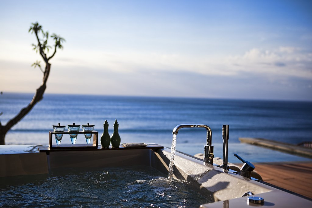 Anantara Uluwatu Best Surf Resort Bali