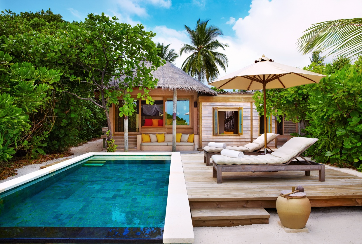 Six_Senses_Laamu_Family_Villa_Pool_Wave Collective.jpg