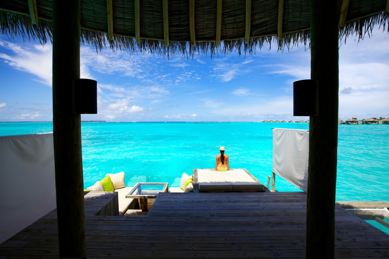 Six_Senses_Laamu_Water_Villa_Deck_Wave_Collective.jpg