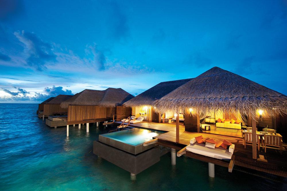 Ayada_Maldives_Sunset_Water_Villa_Wave_Collective.jpg