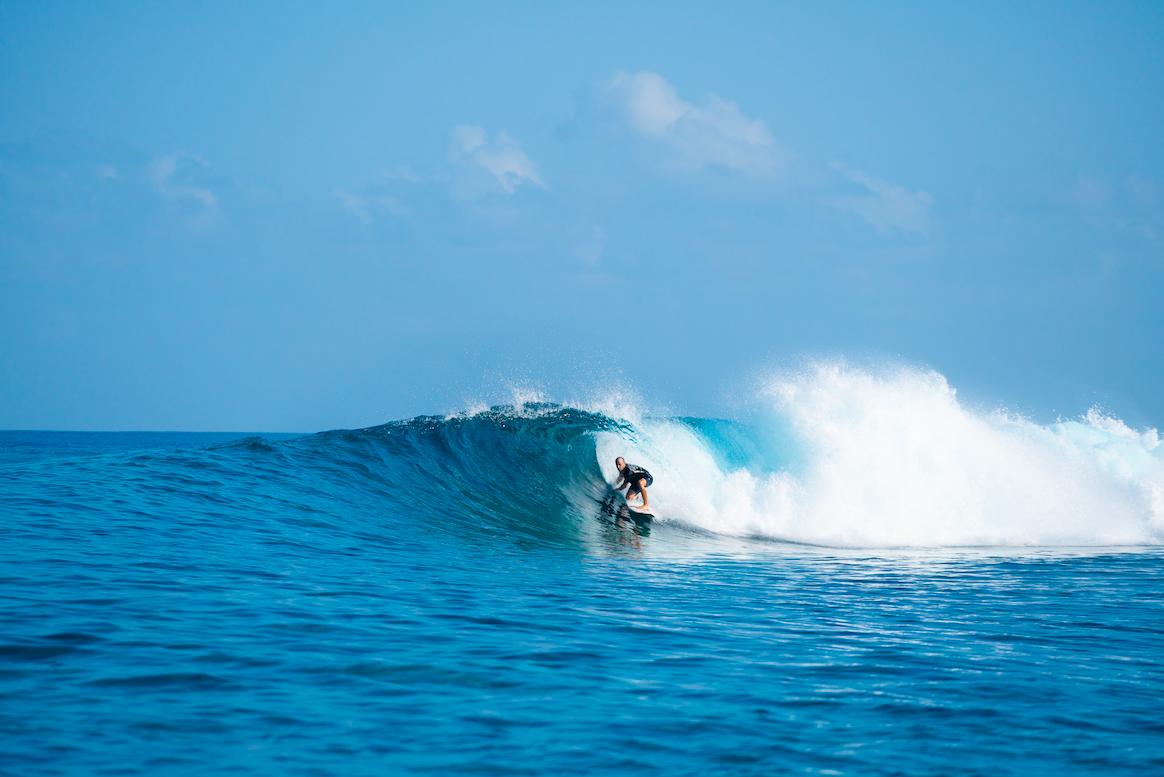 Surf Perfect Barrels Maldives.png