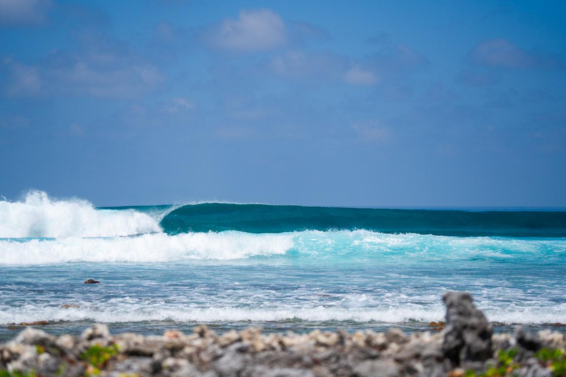 Surf Perfect Waves Maldives.png