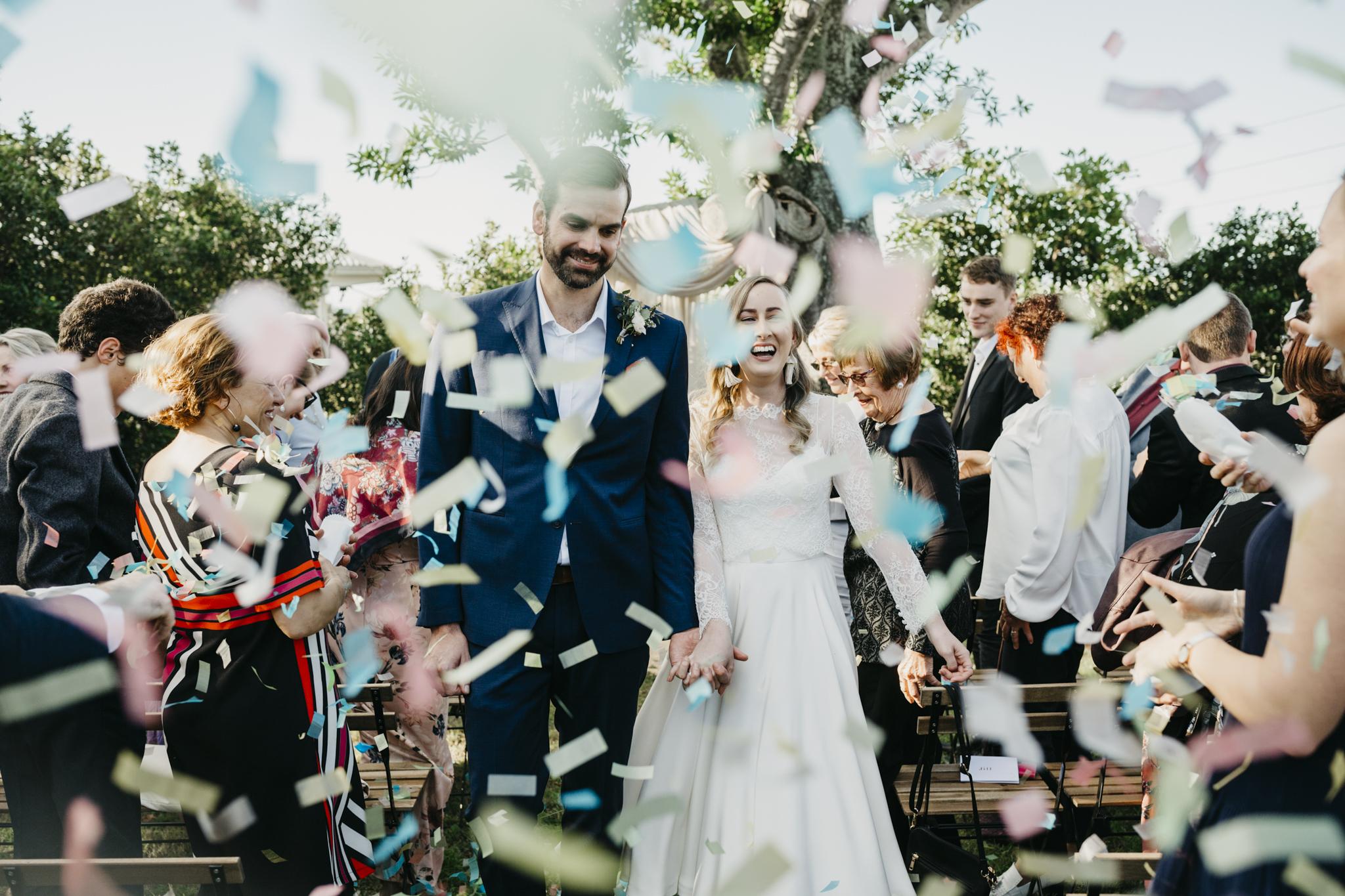 Gold Coast wedding confetti toss