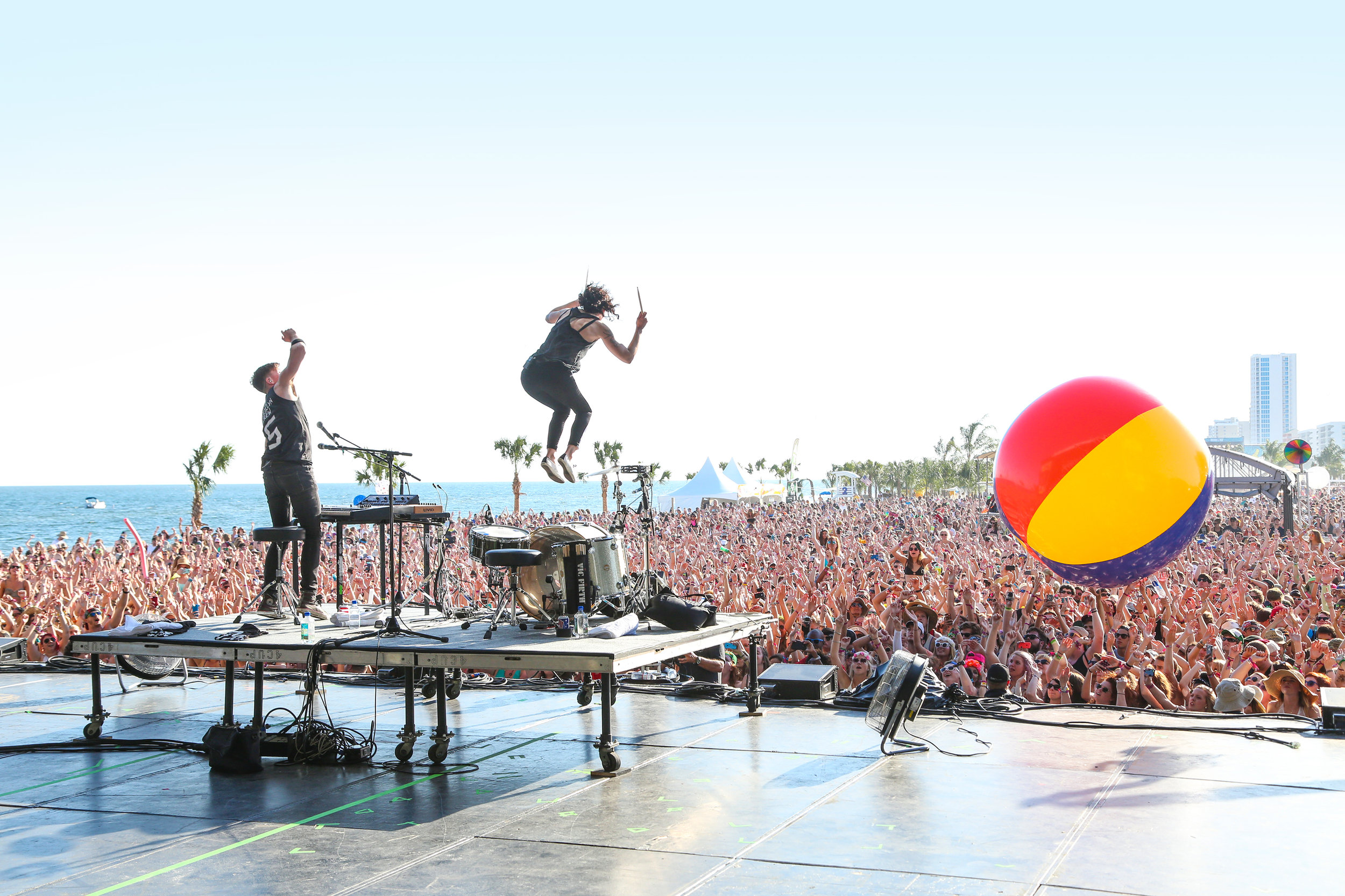 Experience Hangout Music Fest like a VIP