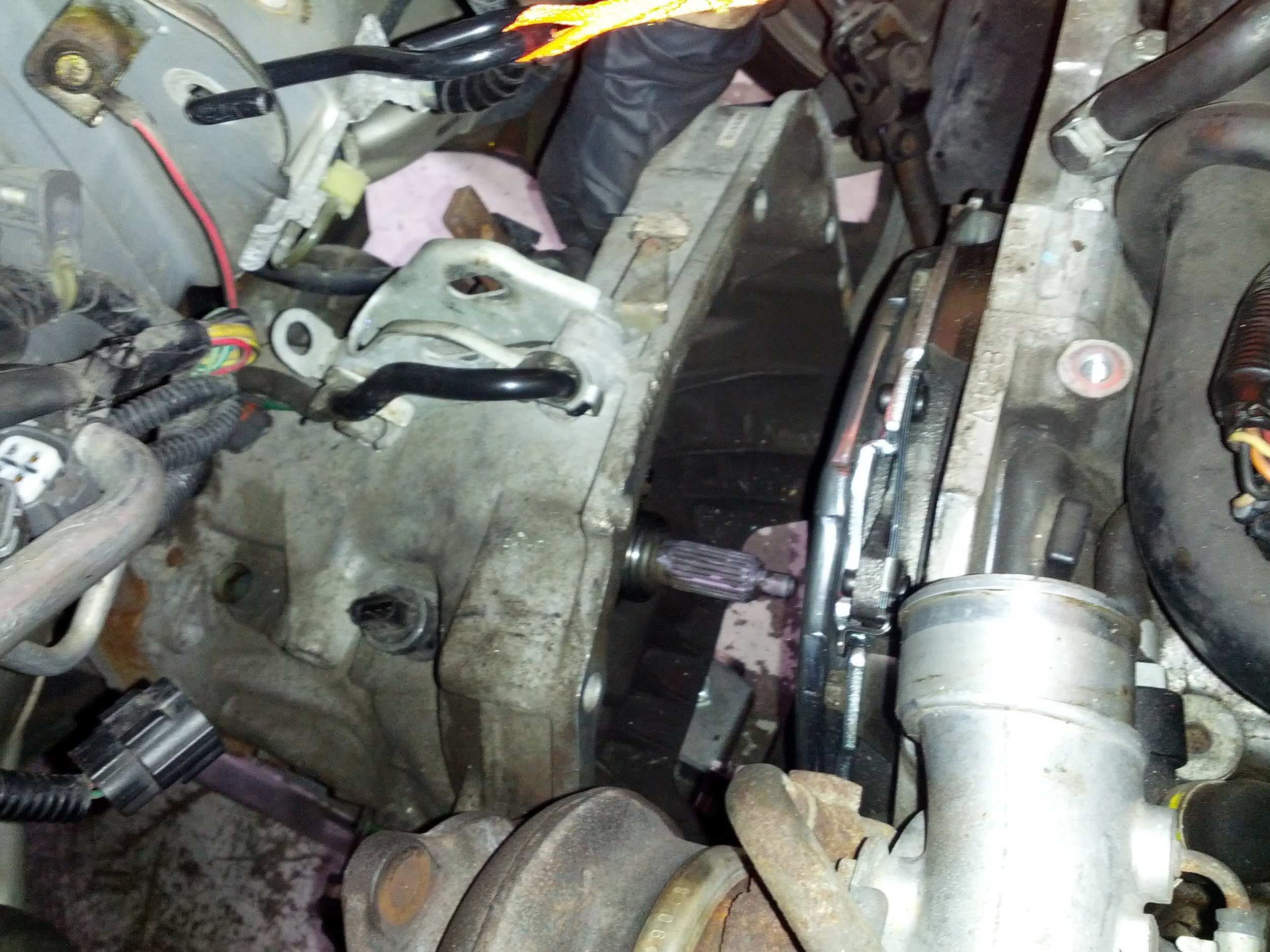 Lazy way to swap the clutch out. Just move the trans back and the engine a bit forward. Sneak it in.