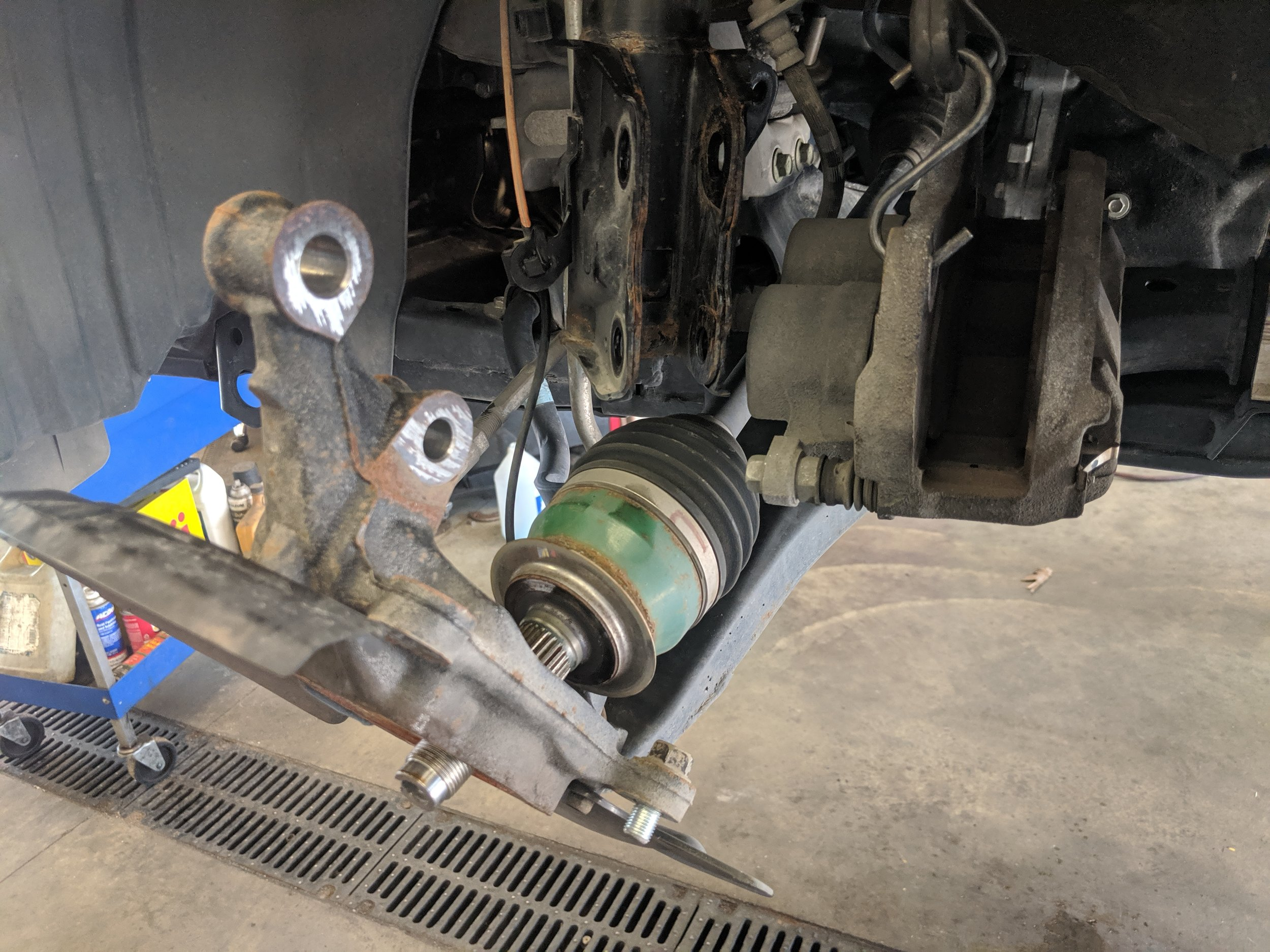 Here is what everything will look like after getting the wheel bearing out.