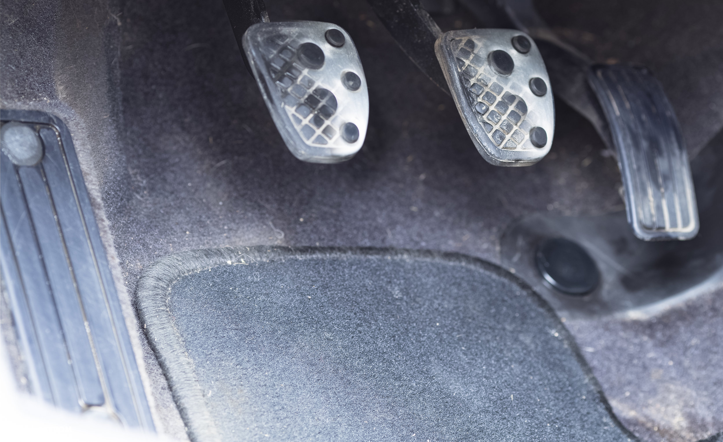 A little bit of cleaning and look what is behind those rubber pedal covers?…. Ok maybe this is a bit of photo magic.