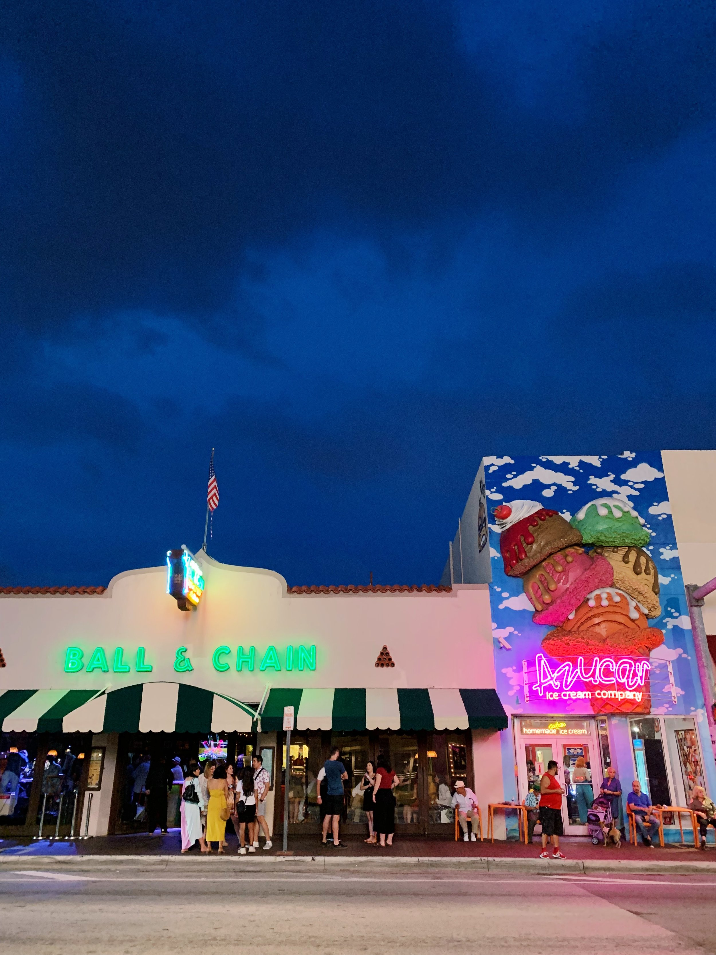 Two LH mainstays (also the depth of that blue in the sky is incredible) | Little Havana
