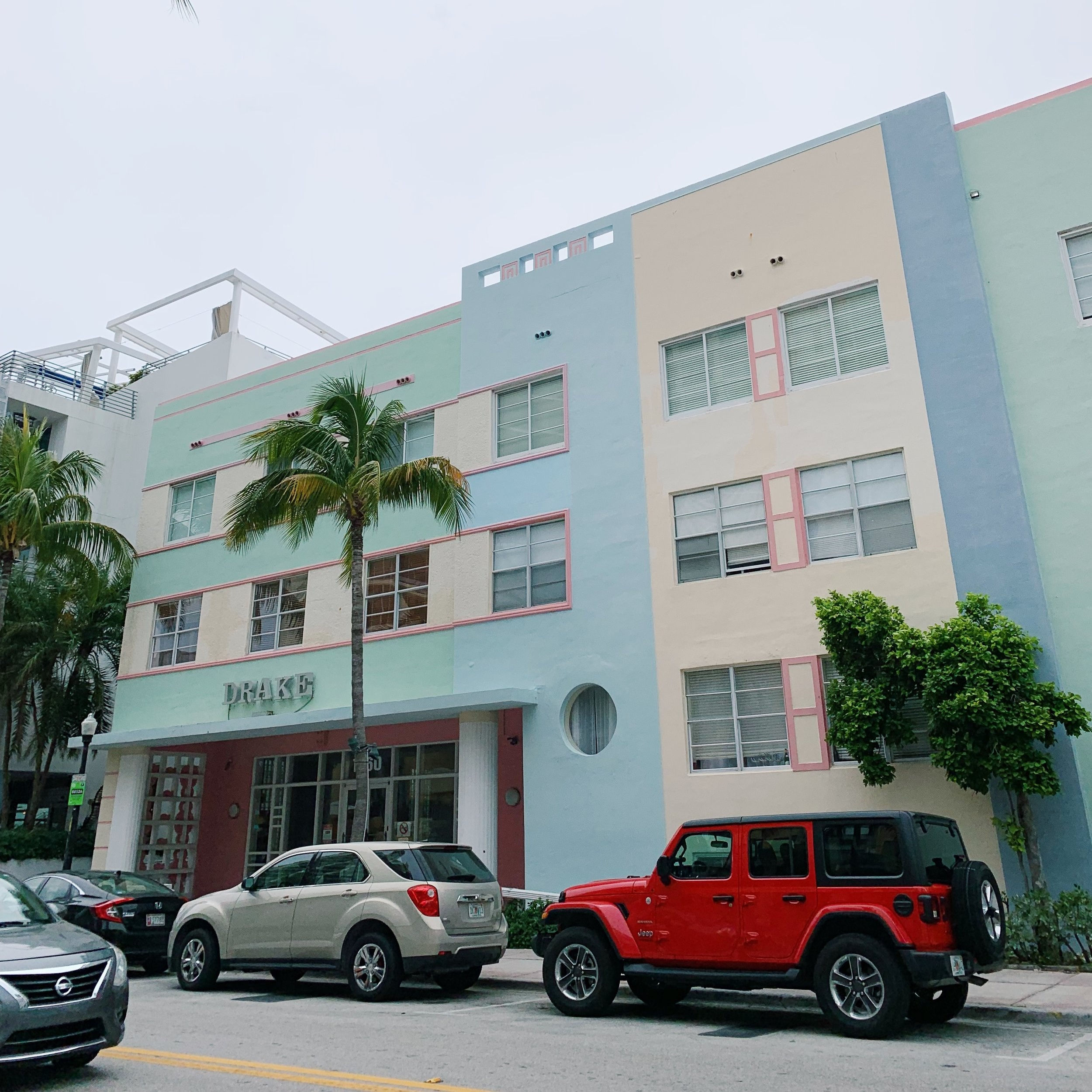 Art Deco palette #2: The Drake (Wish it was sunnier!) | Miami Beach