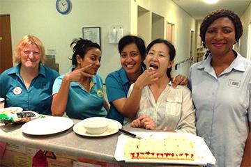 オーストラリアでの勤務最終日に、同僚がサプライズでお別れ会を開いてくれました。