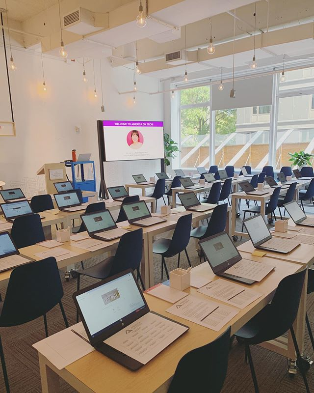 Spent this Saturday at Google, orienting America On Tech's newest cohort of Tech Flex Leaders. Really cool to think that I was standing in front of a room of 16 and 17 year olds who will undoubtedly change this world through code. Also, shout out to the incredible Grow with Google staff! They were a dream.