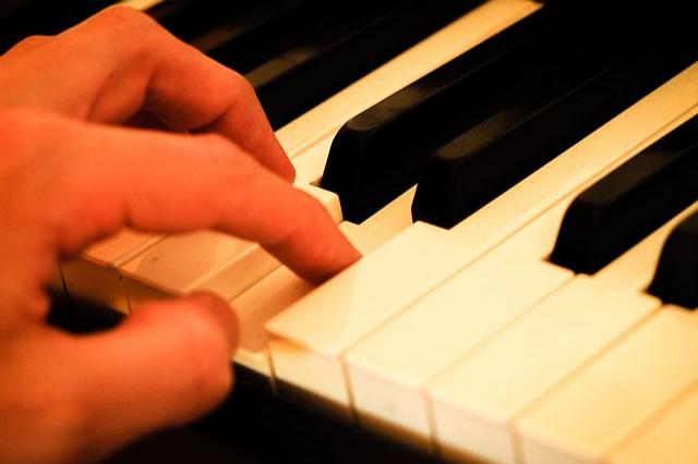 Klavierunterricht für Wiedereinssteiger - Die Sehnsucht nach Entfaltung erfüllen