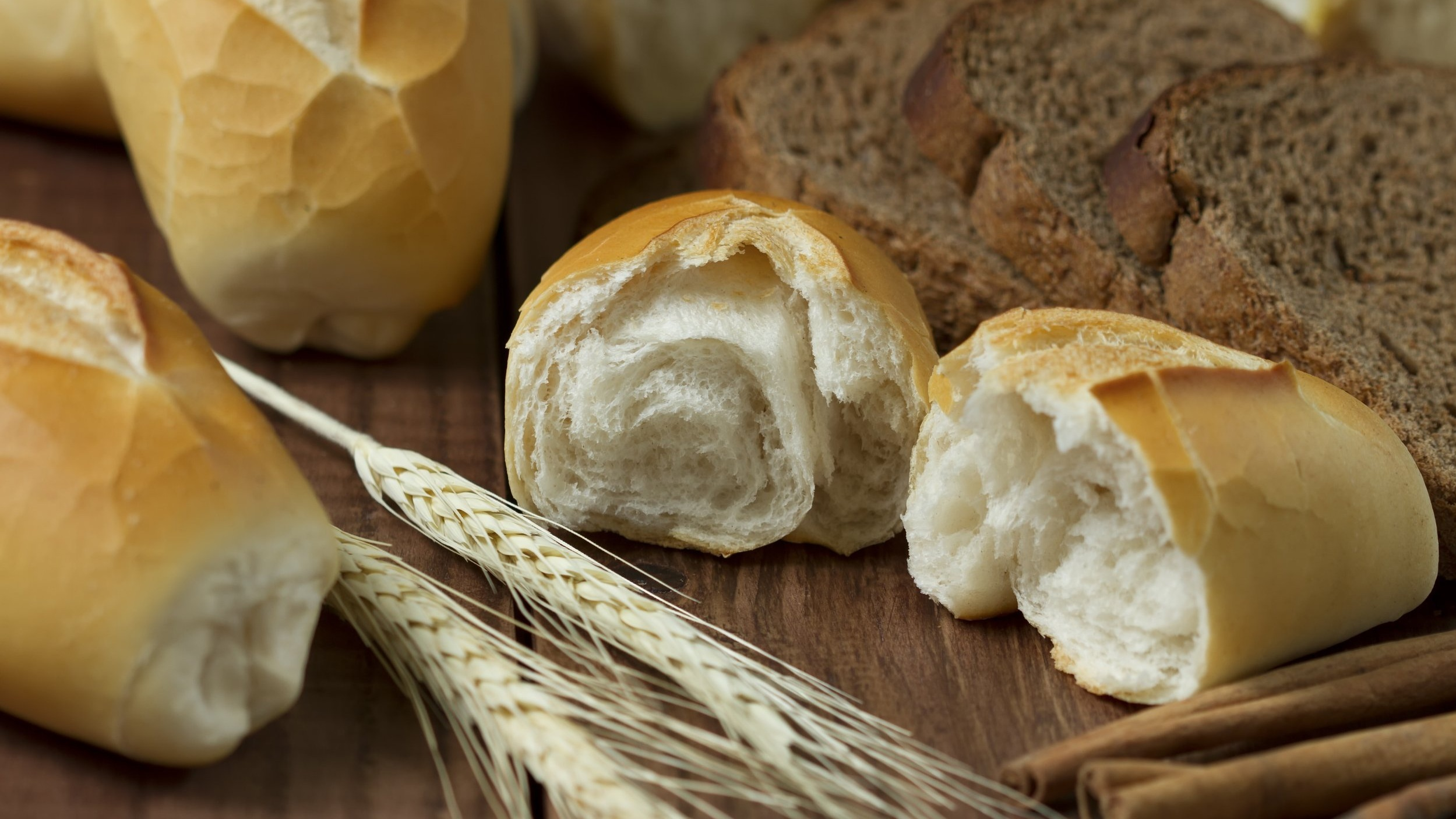 baked-bakery-blur-209403.jpg