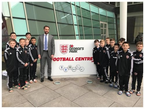 Select squad meets England's Manager on recent tour of UK