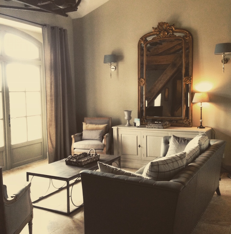 03spacious room.jpg