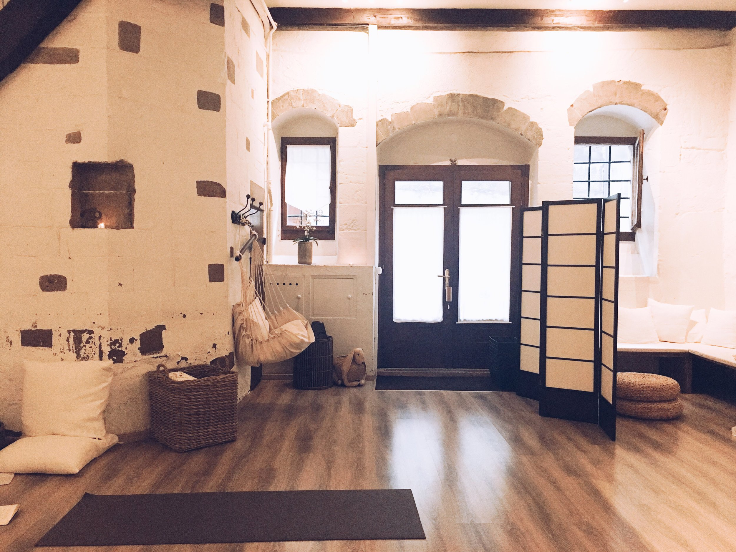 Group Yoga Classes - At Cabinet 22, in old town Geneva.Thursdays 6.15-7.15pm