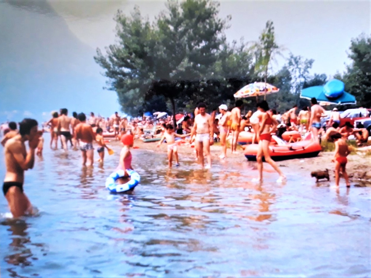 Camping Rivabella 1971 - Beach.jpg
