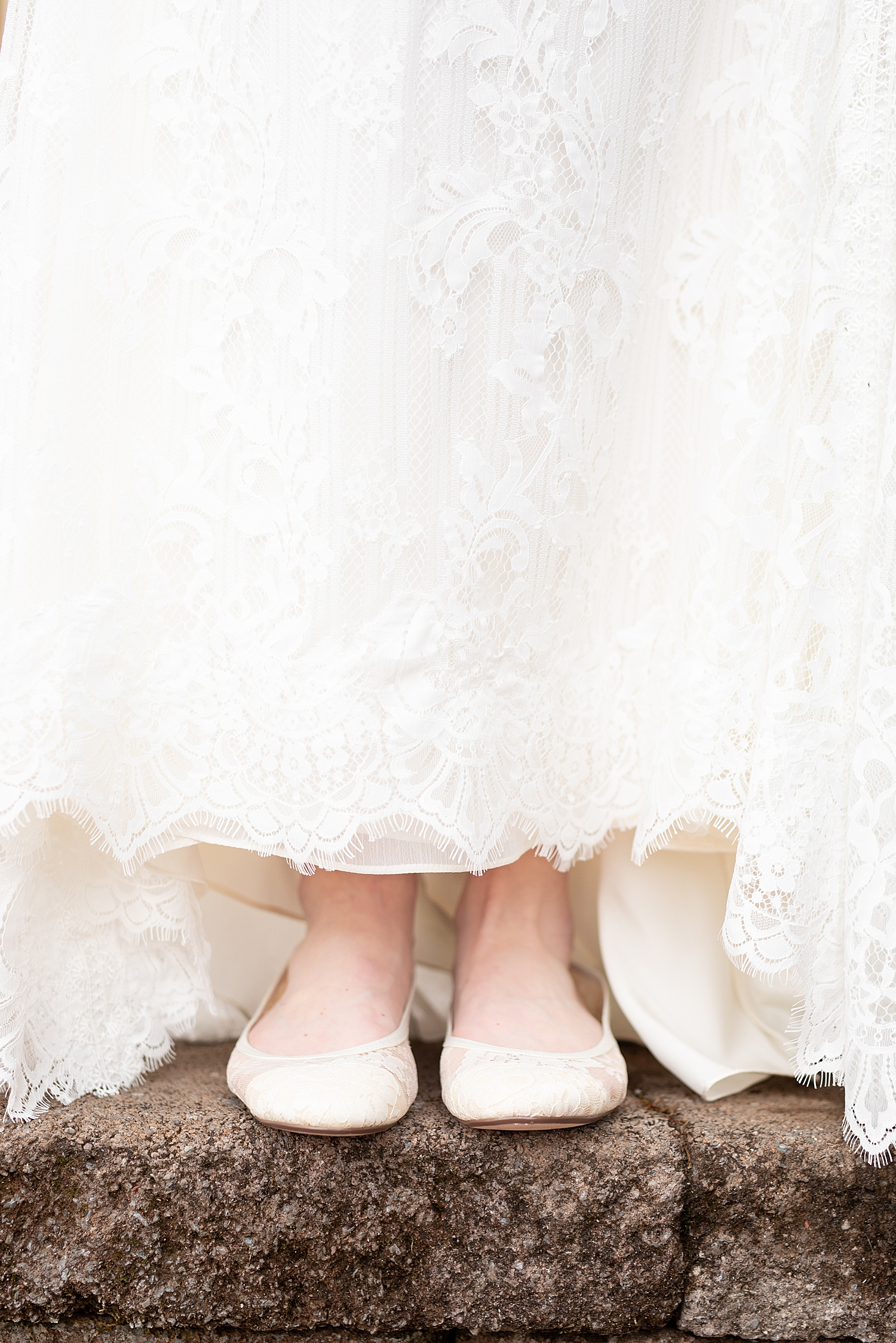 I love these classic lace ballet shoes!