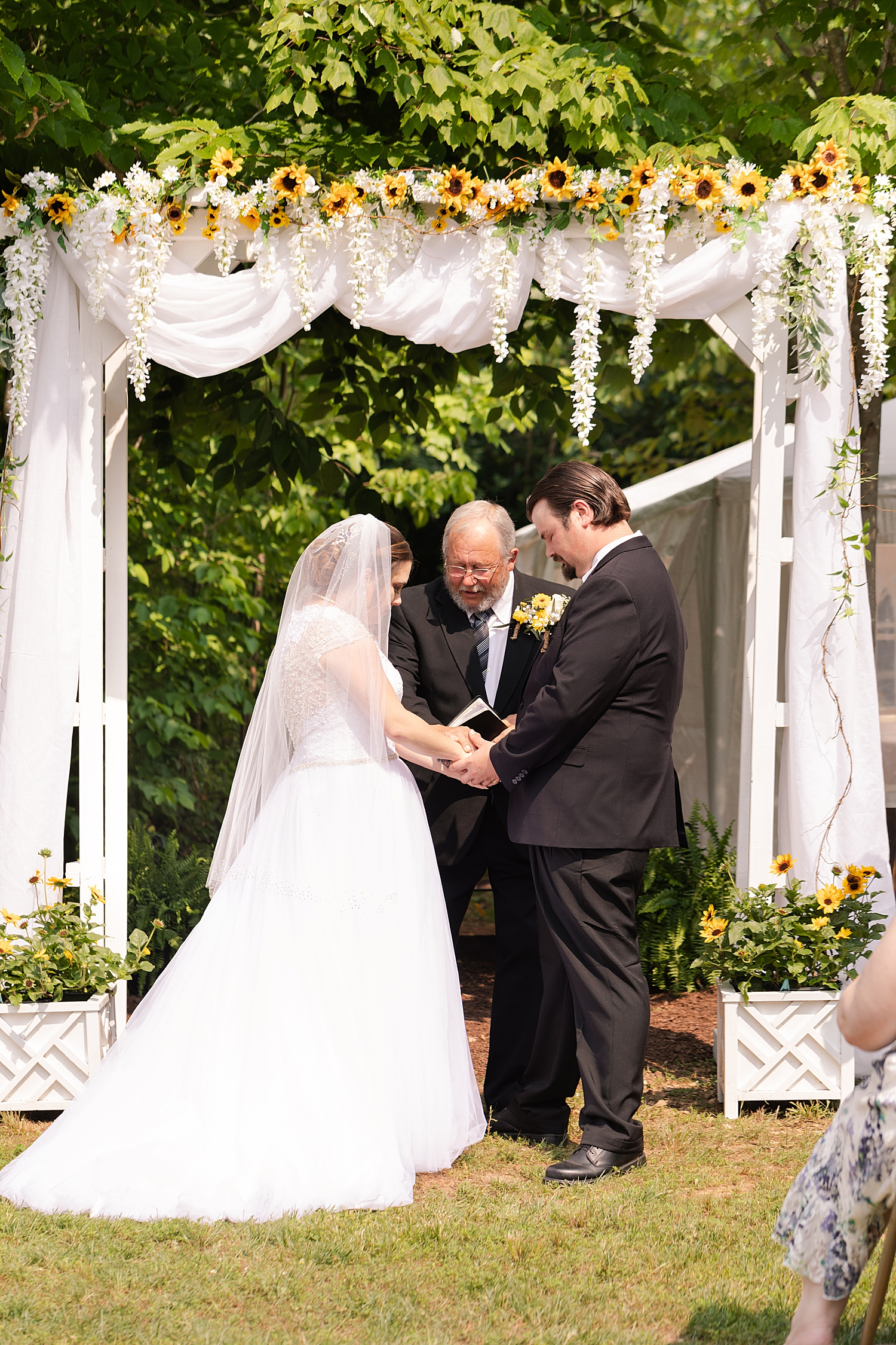 Intimate Spring Virginia Wedding Photo_0869.jpg