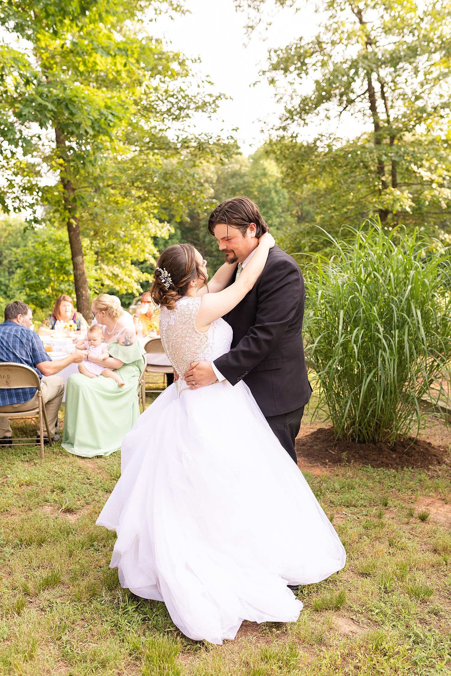 Intimate Spring Virginia Wedding Photo_0900.jpg