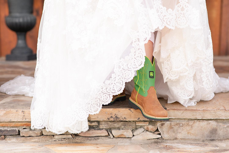 Atkinson Farms Spring Wedding Photo_1045.jpg