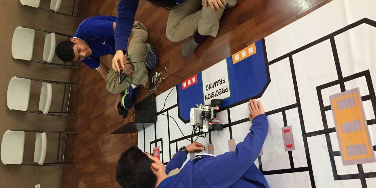 Jóvenes guatemaltecos participarán en Olimpiada Mundial de Robótica   Los alumnos de Robótica de Montano College participarán en un reto mundial y deberán crear un robot con funciones específicas.   vía publinews.gt